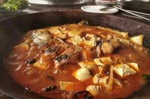 特色铁锅炖豆腐